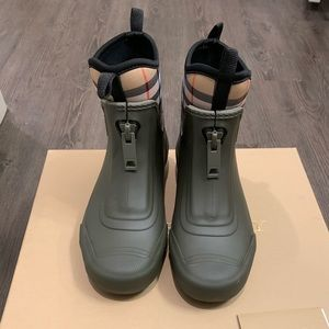 Burberry Flinton Short Rain Ankle Boots